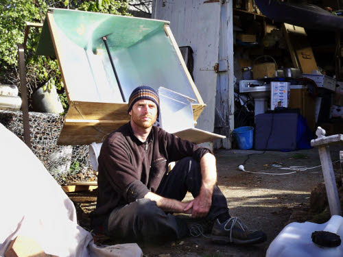 daniel connell and his solarflower solar concentrator
