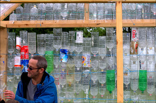 diy greenhouse made from plastic bottles