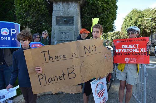 activist protest the keystone xl pipeline