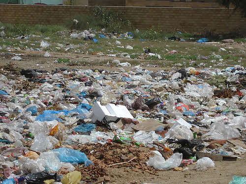 plastic shopping bags litter in karachi pakistan