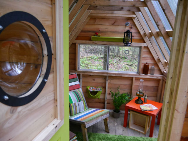 DIY Home Building: The $300 Cabin Made from Recycled Materials