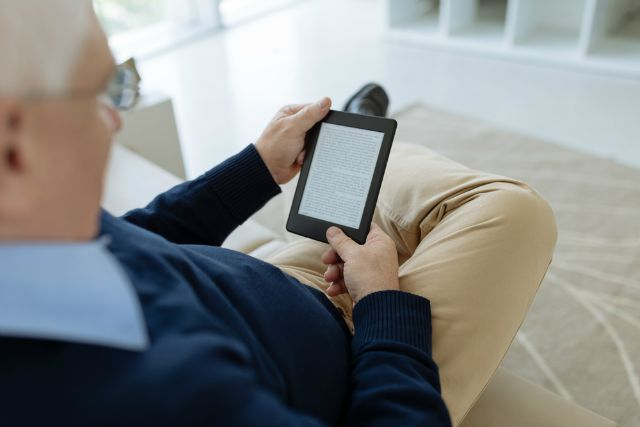 going paperless with an e-reader