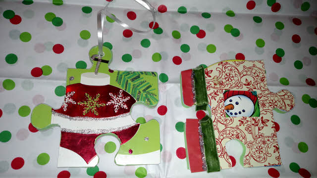 holiday craft ideas puzzle pieces into ornaments
